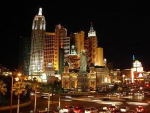 Небоскрёбы Лас-Вегаса в ночном освещении