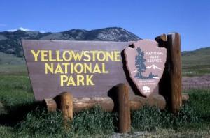 Знак на границе Йеллоустоунского парка