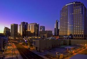 Центр города Феникс с многоэтажками