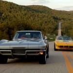 Американские раритетные автомобили на трассе