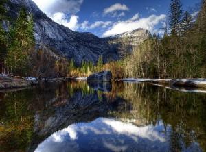 Озеро_в_Йосемити