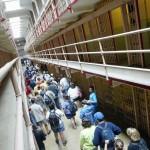 Туристы в федеральной тюрьме Алькатрас