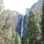 Водопад в национальном парке Йосемити