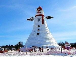 Самый_большой_снеговик_в_США