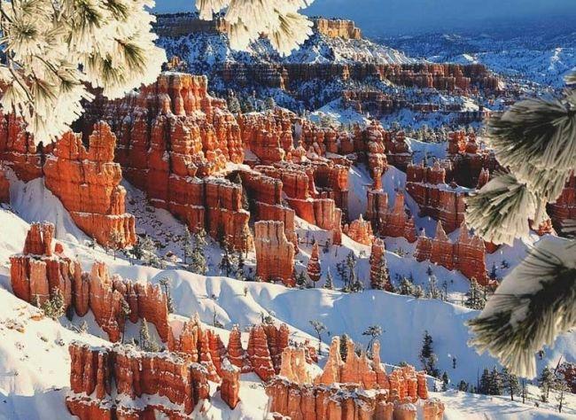 Скалы_в_Брайс_Каньон_зимой