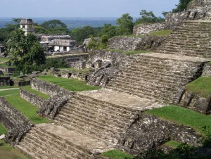 Лестница_пирамиды_на_Юкатане