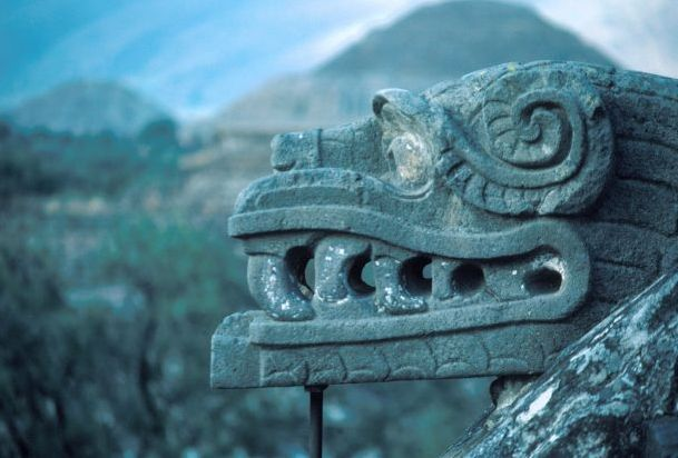 Древняя_скульптура_в_Теотиуакан
