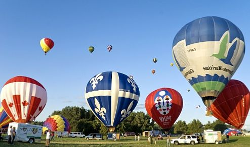 Воздушные_шары_на_фестивале_в_Гатино_Канада