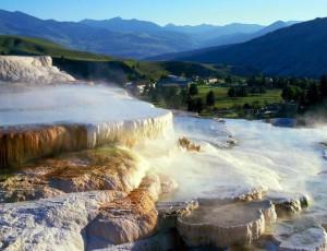 Красивый_водопад_в_Америке