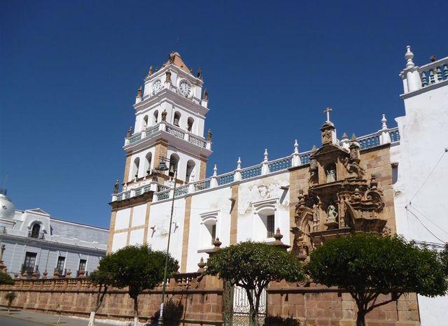 Старинное_здание_в_Сукре_Боливия