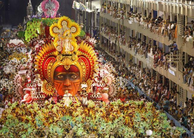 Карнавал_в_Рио-де-Жанейро