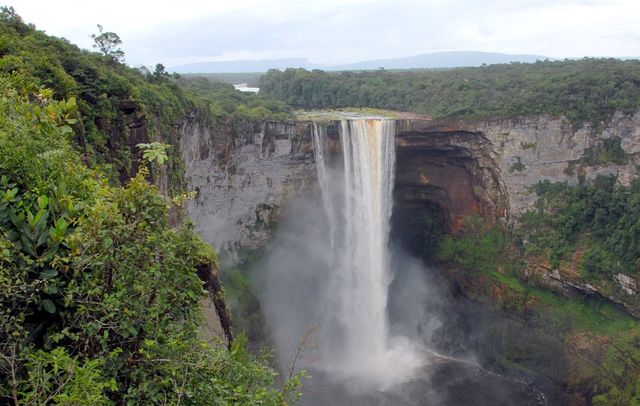 Водопад_в_Гайане