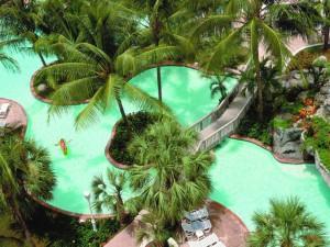 Бассейн_отеля_на_Багамах