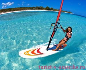 Девушка на серфе в Коста-Рике