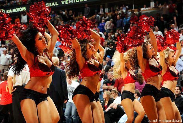 Девушки_групп_поддержки_черлидинг_NBA_Chicago_Bulls_фото_14