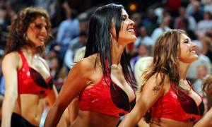 Девушки_групп_поддержки_черлидинг_NBA_Chicago_Bulls_фото_16