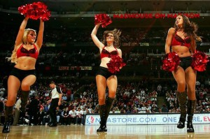 Девушки_групп_поддержки_черлидинг_NBA_Chicago_Bulls_фото_24