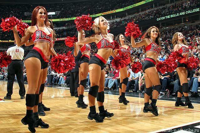 Девушки_групп_поддержки_черлидинг_NBA_Chicago_Bulls_фото_27