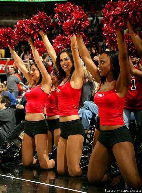 Девушки_групп_поддержки_черлидинг_NBA_Chicago_Bulls_фото_40