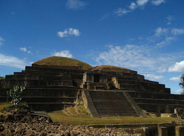 Древняя_пирамида_в_Сальвадоре