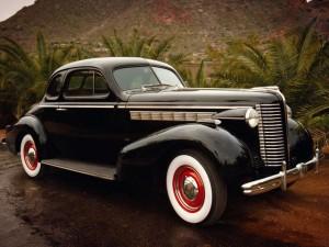 Классический американский автомобиль1938 Buick Special Sport Coupe (Model 46S)