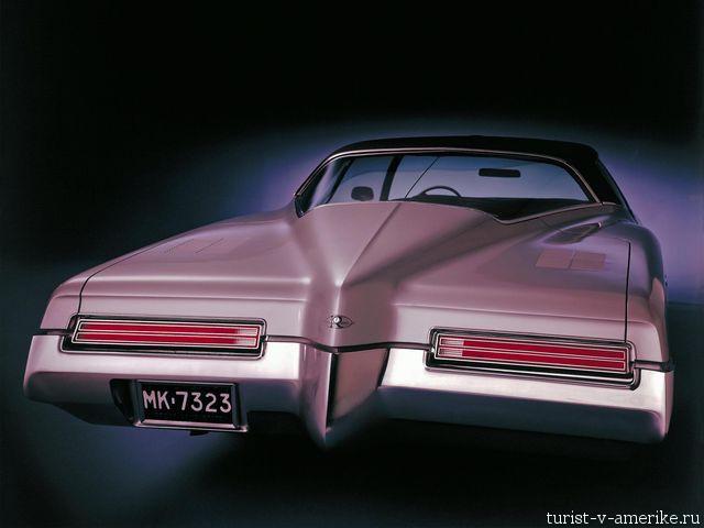 Классический_американский_автомобиль_Buick _Riviera_1971–73