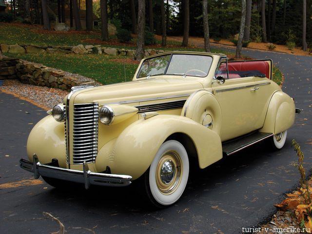 Классический_американский_автомобиль_Buick _Special_Convertible_1938