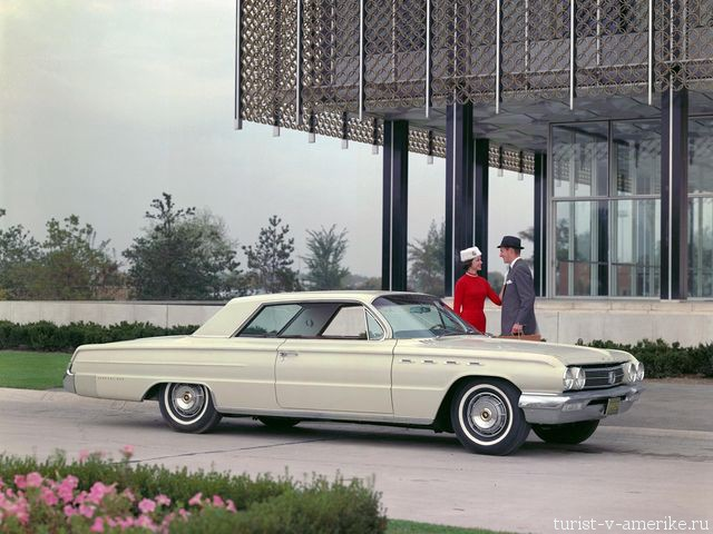 Классический_американский_автомобиль_Buick_Electra_225 _1962