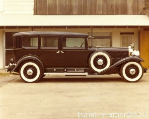1930_Cadillac_V16_452_Imperial_Sedan_by_Fleetwood_Armored_11