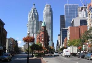Улица_в_Торонто