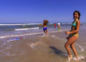 Туристы_на_пляже_Колумбии