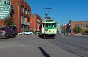 Трамвай_на_улице_в_Memphis