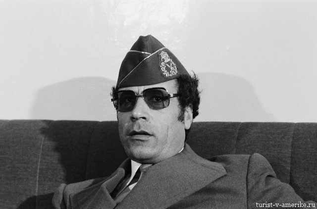 Muammar al-Qaddafi at Arab Summit in Tripoli