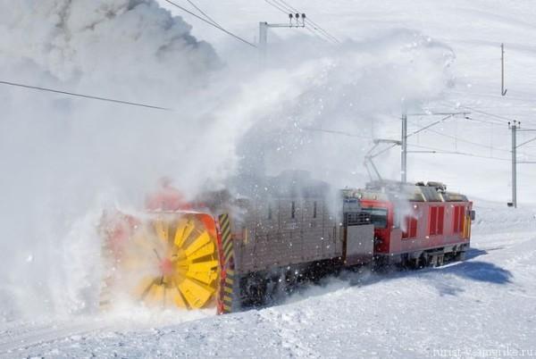 Снегоуборочный_поезд_в_Америке
