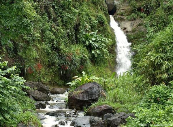 Горная_река_Гренада