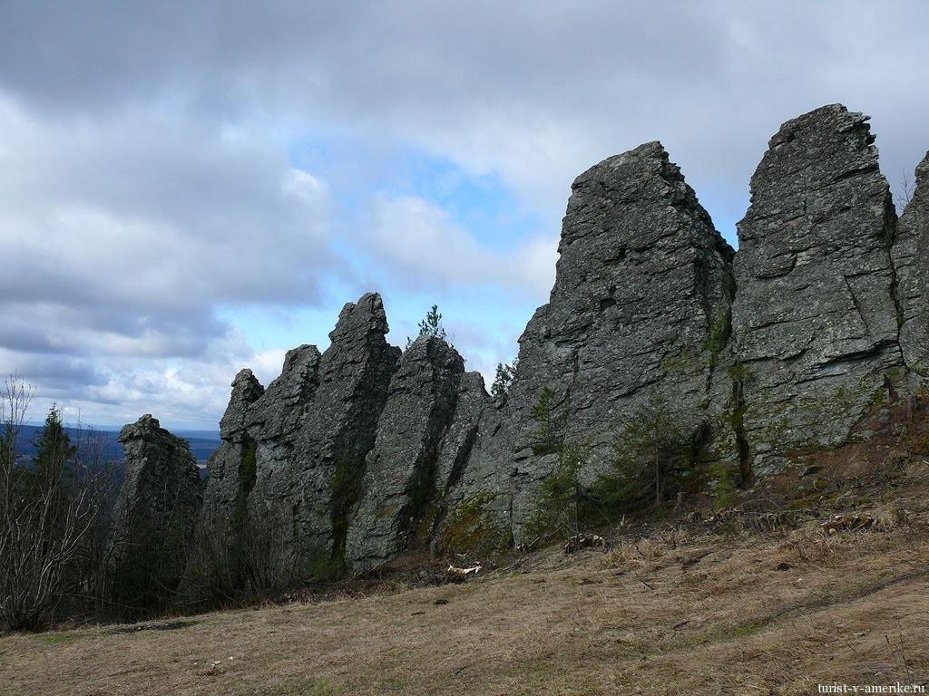 Гора Колпаки - причудливые скалы на Среднем Урале